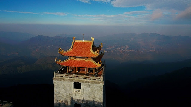Contemplate the spiritual architectural complex at the top of Fansipan 1