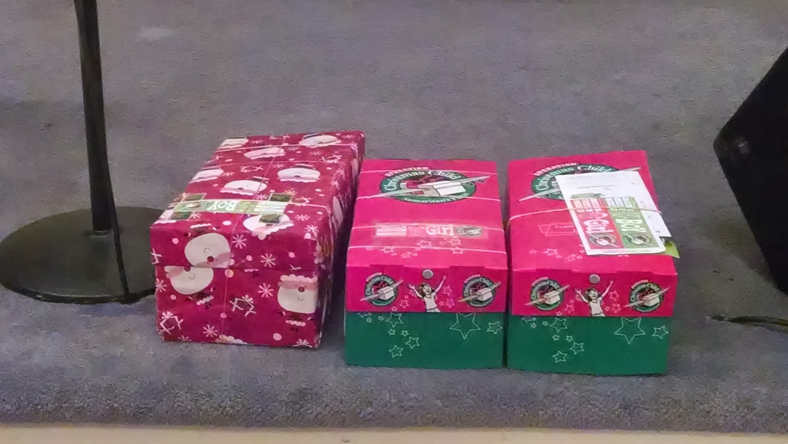 Christmas Child Boxes.Operation Christmas Child Shoe Boxes