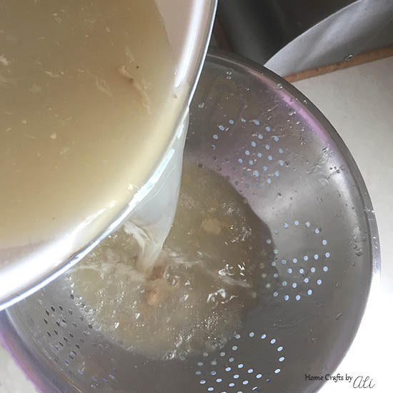 easy to follow instructions to make turkey broth at home
