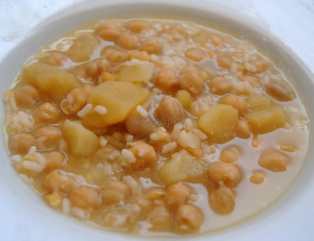 Cocido casero con Garbanzos y arroz