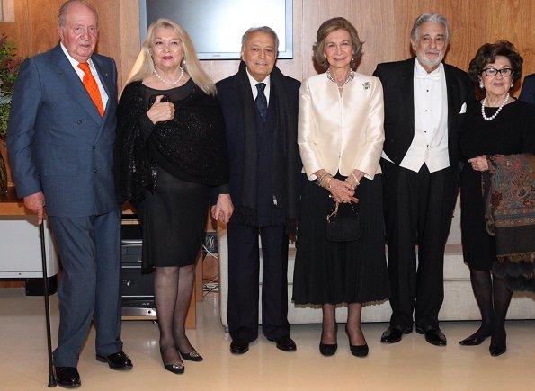 Princess Pilar, Princess Alia and Queen Noor of Jordan, King Constantine and Queen Anne Marie of Greece and Empress Farah Pahlavi