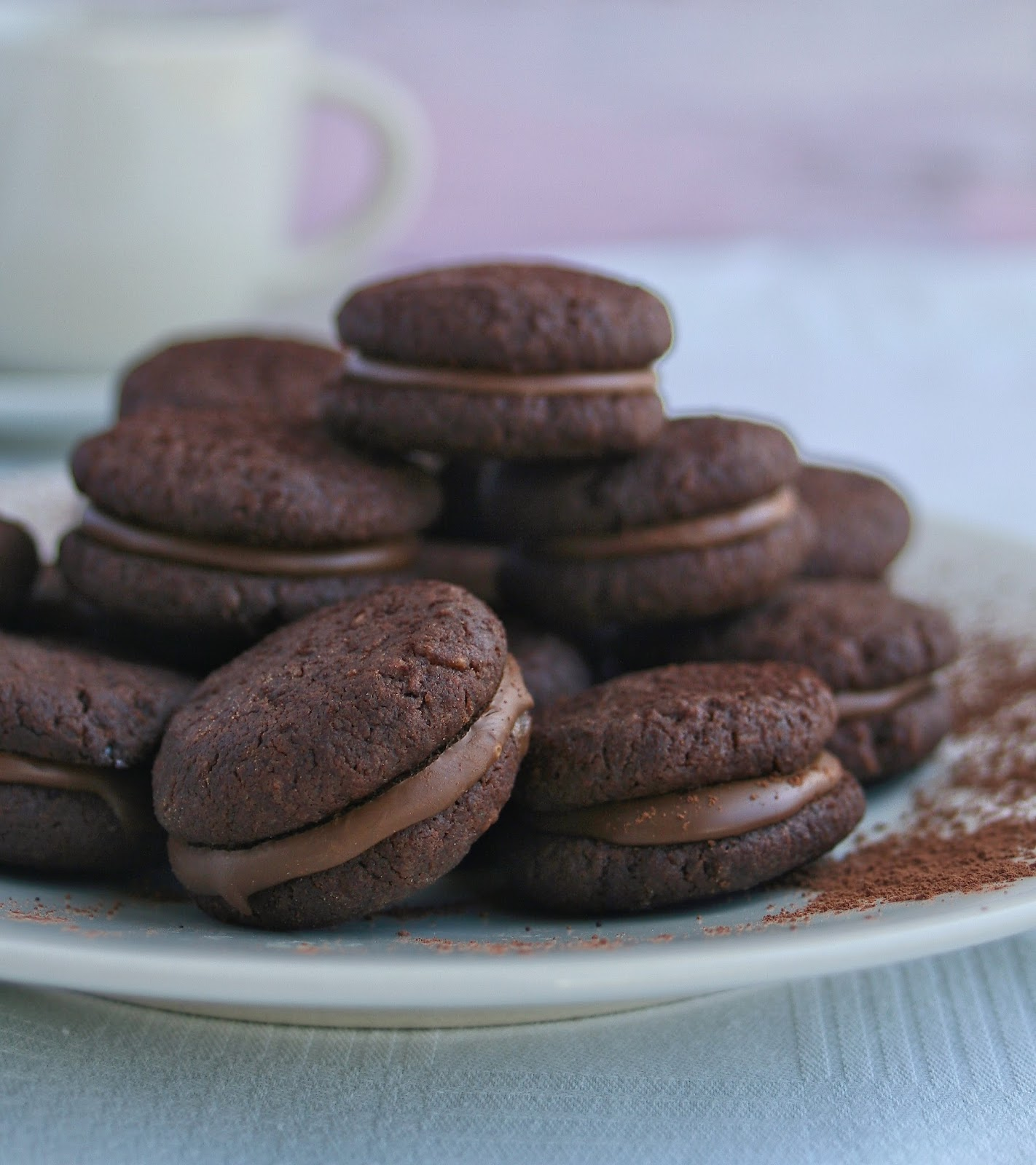 Cupcakes & Couscous: Chocolate Sandwich Biscuits1422 x 1600 jpeg 247kB