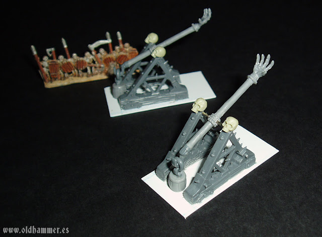warmaster undead scratch skull chukka war machine undead conversion catapulta lanzacraneos no muertos lanzapiedros lanzarrocas proxy proxies 10mm