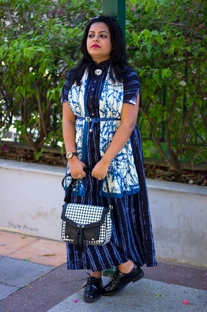 maxi-dress-scarf-summer-fashion-black-blue-sunglasses-cat-eye-checks-sling-bag-OK-pin