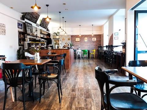 Odpoledne v kavárně - Coffeeholic.prague