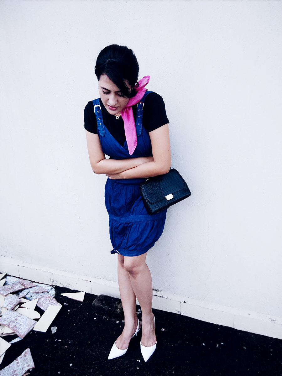 black basic Top, denim Dress, Zara White kitten Heel,Zara black Bag,pink Scarf Diy
