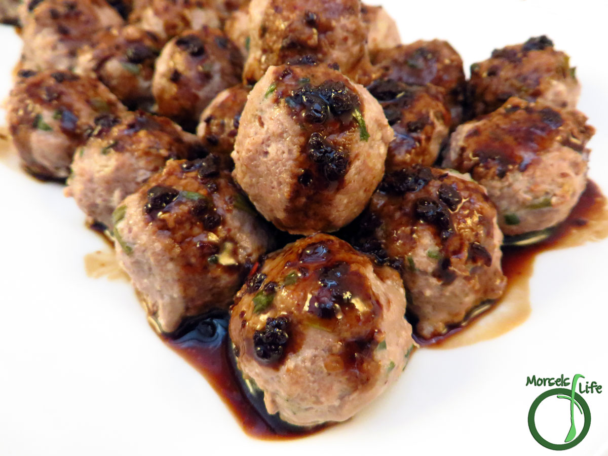 Morsels of Life - General Tso's Meatballs - Sweetly spicy and slightly tangy, you've got to try this General Tso's in meatball form!