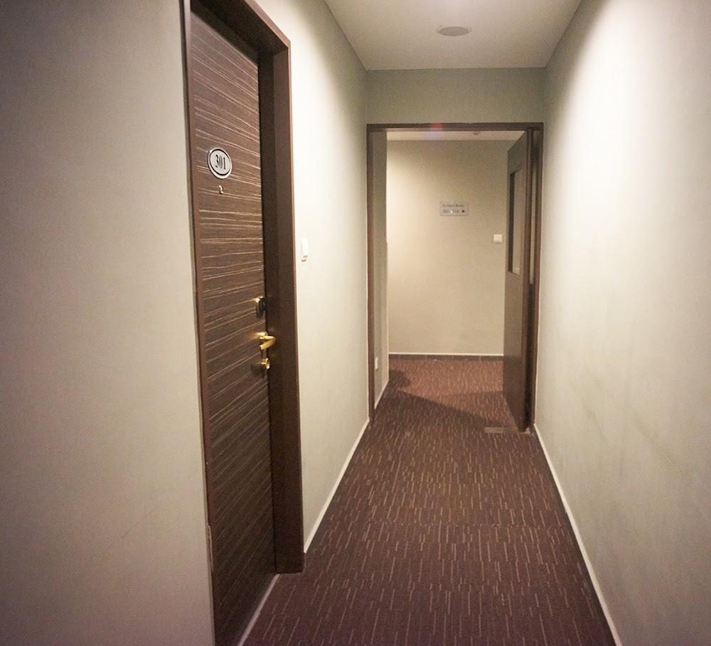 Fragrance Riverside Hotel Room Description