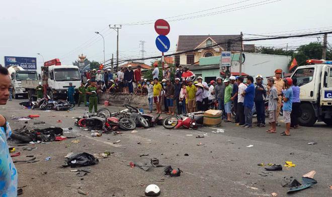 Chuyen xe dinh menh cua tại xe grabiker, tại nạn giao thông kinh hoàng ở long an, ngày cuối cùng của anh tài xê grab