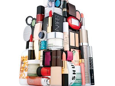 Que fait la blogueuse beauté de ses montagnes de produits ?