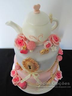 bolo alice no pais das maravilhas bragança doces opções