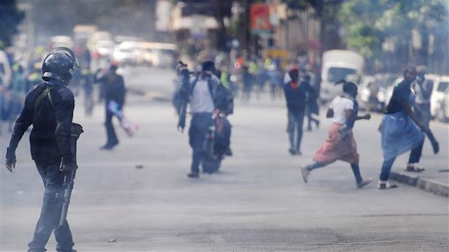 Kenya police use teargas to disperse protesters
