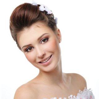 http://www.risunoc.com/2016/02/sozdanie-svadebnyh-prichesok-na-domu.html