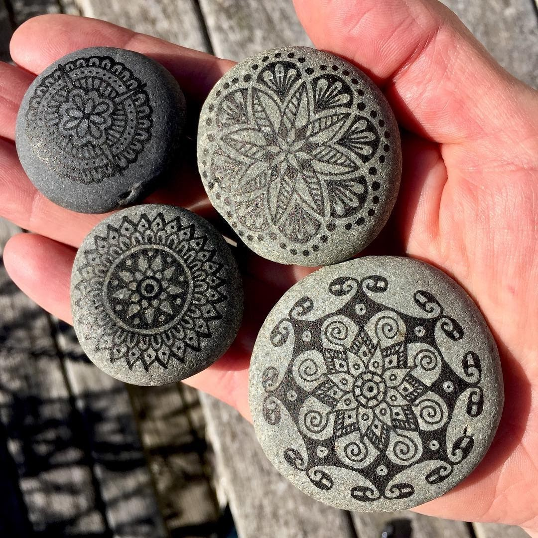 06-Mike-Pethig-Precise-Hand-Drawn-Stone-Mandala-Drawings-www-designstack-co