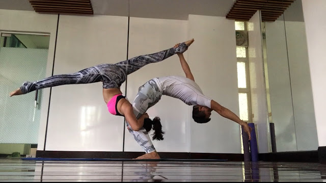 Hôn nhân cũng như yoga