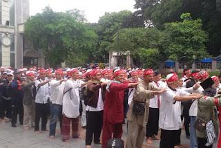Rintik Gerimis tak mengurangi semangat Ribuan Masa Long March Aksi 212 Bogor - Commando
