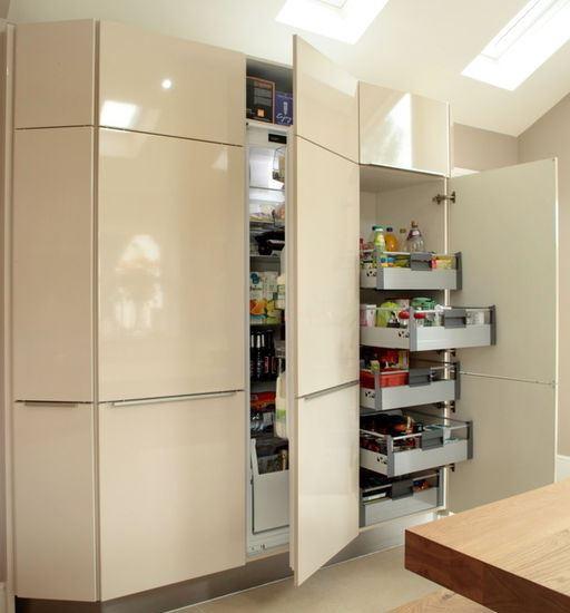 Tủ nhà Acrylic mang lại vẻ đẹp hiện đại và sang trọng cho nhà bếp