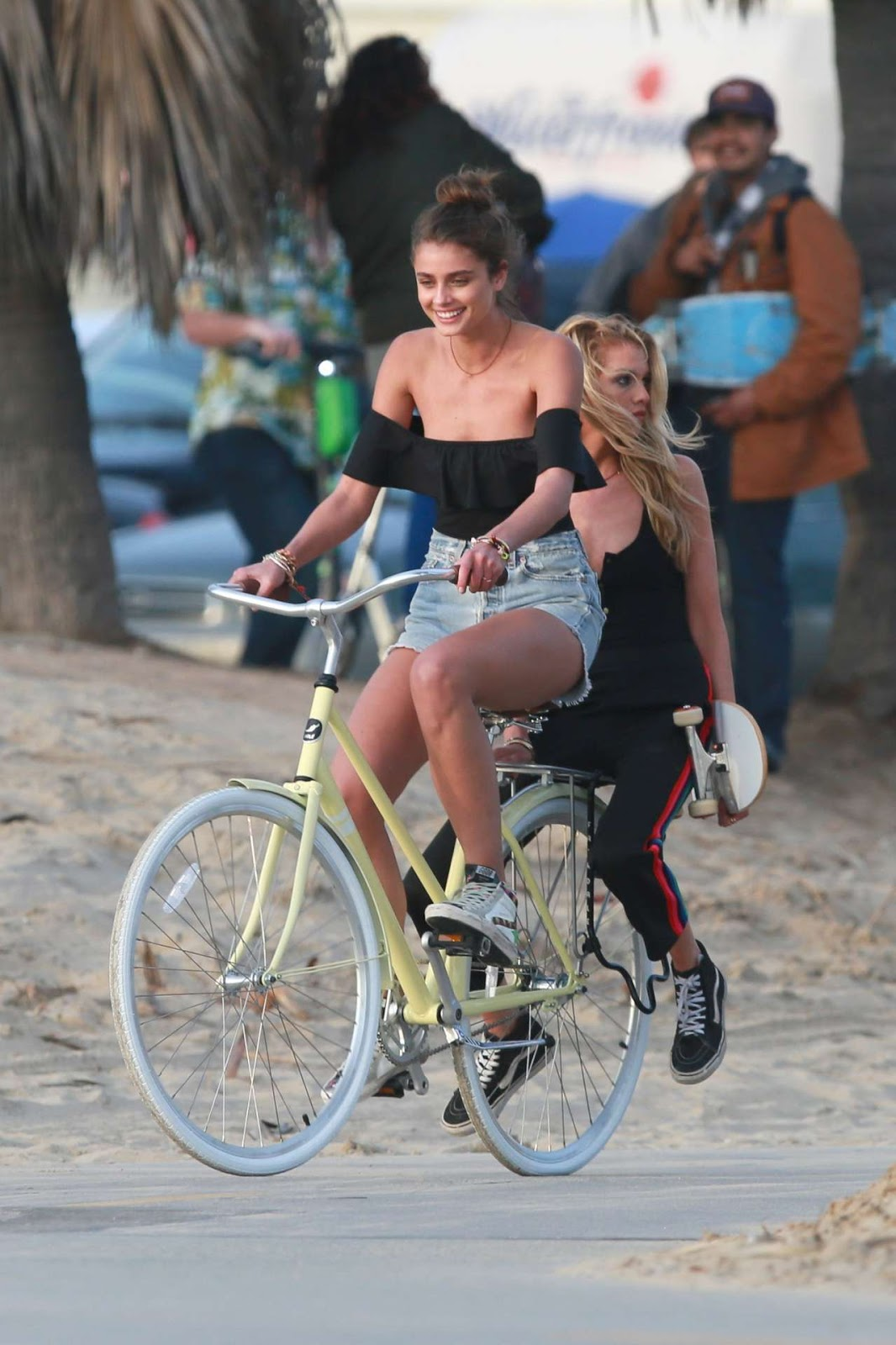 Taylor Hill and Stella Maxwell – Victoria's Secret Photoshoot in Venice Beach