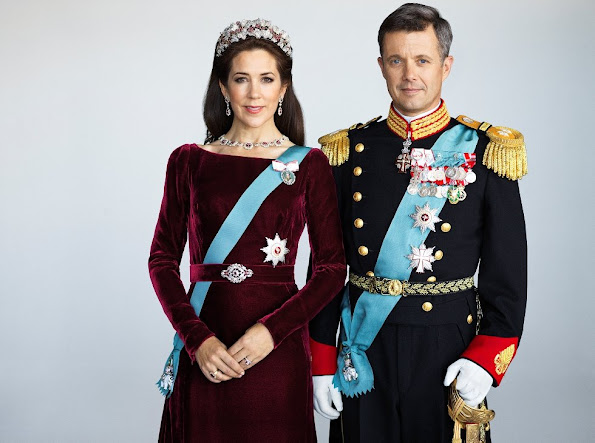 The Danish Royal Court has released new official photos of Crown Princess Mary of Denmark and Crown Prince Frederik of Sweden