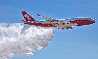 Ten Tanker estará operativo esta noche y otra aeronave estadounidense se sumará al combate de incendios forestales
