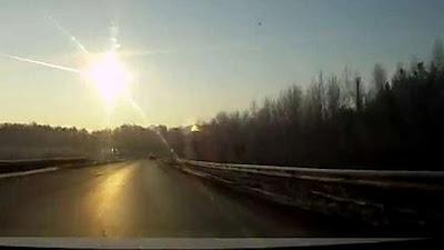Meteor robbant fel Cseljabinszk felett (2013.febr.15.) /Oroszország/