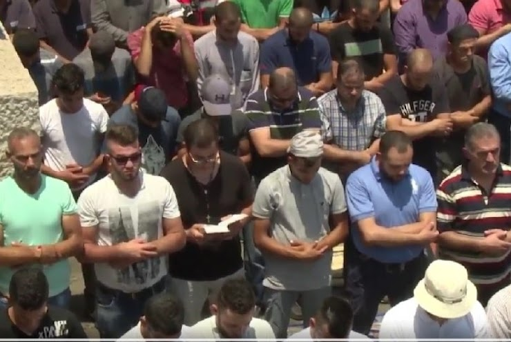 Warga Kristen Ini Ikut Shalat Jumat untuk Bela Al-Aqsha