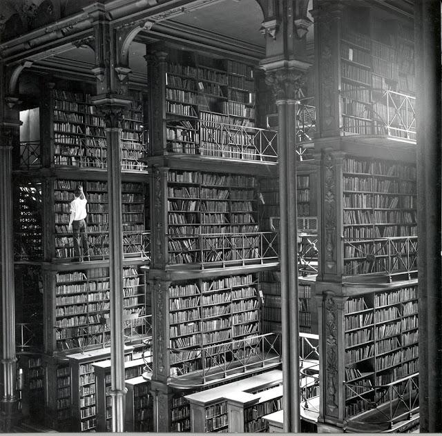 https://4.bp.blogspot.com/-79tzkBokt04/WstQxtVZd9I/AAAAAAADFTY/BsnybrDOO-U5nbxcym-RvGdYbk1kpa2gACLcBGAs/s640/cincinnati-old-main-library-22.jpg
