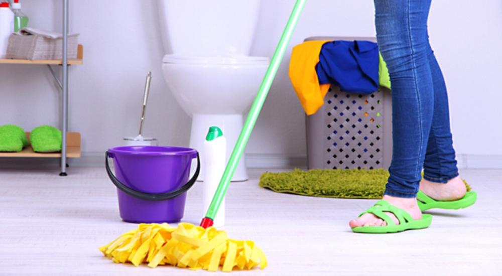 Menjaga Kebersihan Rumah
