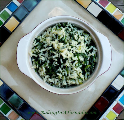 Spinach Rice: A simple side dish using frozen spinach and minute rice | Recipe developed by www.BakingInATornado.com | #recipe #dinner