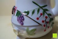 Beeren: Japanische Maneki Neko Glückskatze aus Porzellan (Klein, 12 cm)