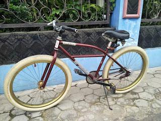 Sekali-sekali Jualan Sepeda Antik