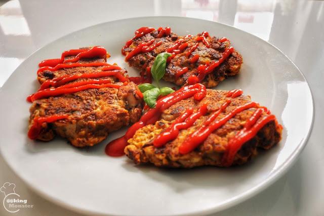Placki z twarogiem, kurczakiem i suszonymi pomidorami