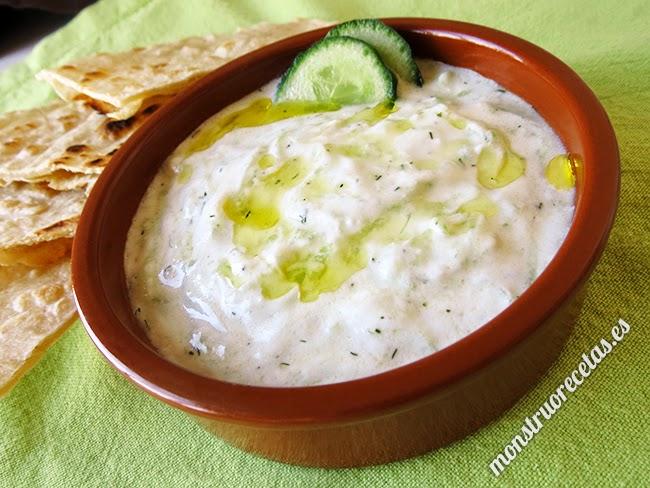 Tzatziki o Salsiki, salsa griega de yogur y pepino