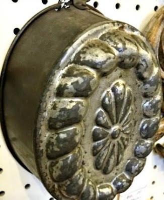 Antique jello mold