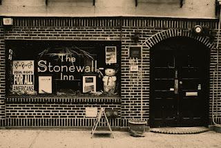 Resultado de imagem para ]bar gay Stonewall Inn