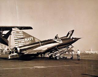 Jet Tempur Amfibi Convair F2Y Sea Dart