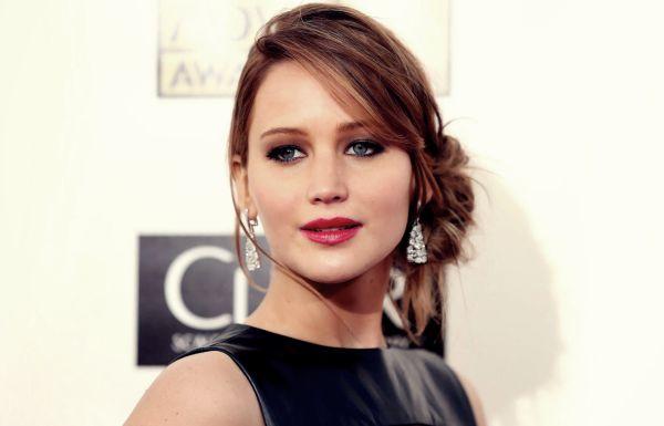 Jennifer lawrence Artis Muda Hollywood Tercantik dan Terpopuler Saat ini