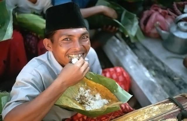 3 Kebiasaan Aneh di Indonesia yang Dianggap Lumrah