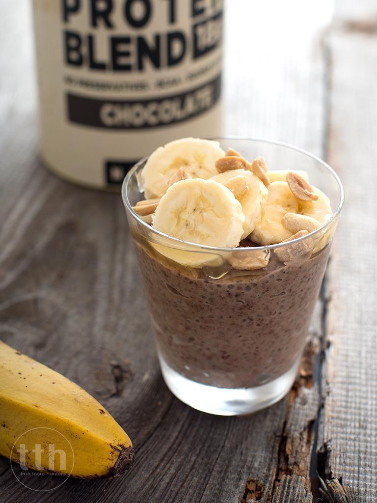 Proteinowy kakaowo-orzechowy pudding z chia - przepis weganski, bezglutenowy, bez cukru