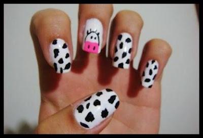 Diseño de vaca para las uñas