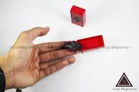 Jual alat sulap Insect Paddle Kecoa alat jahil