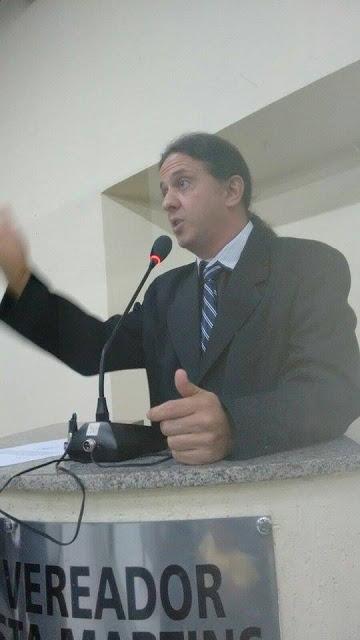 """Fábio Gentil diz que continua a perseguição contra proprietário da Clínica Santa Teresinha: """"demitiram ele do HGM, onde era funcionário concursado""""."""