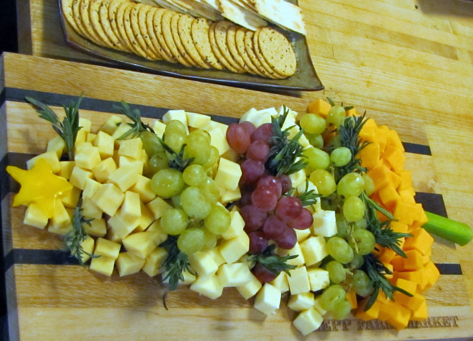 Christmas Cheese Platter.Mennonite Girls Can Cook Christmas Tree Cheese Platter