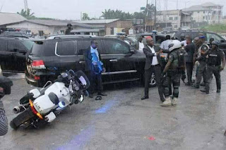 Wike, Amaechi's convoy clash in Port Harcourt [See pictures]