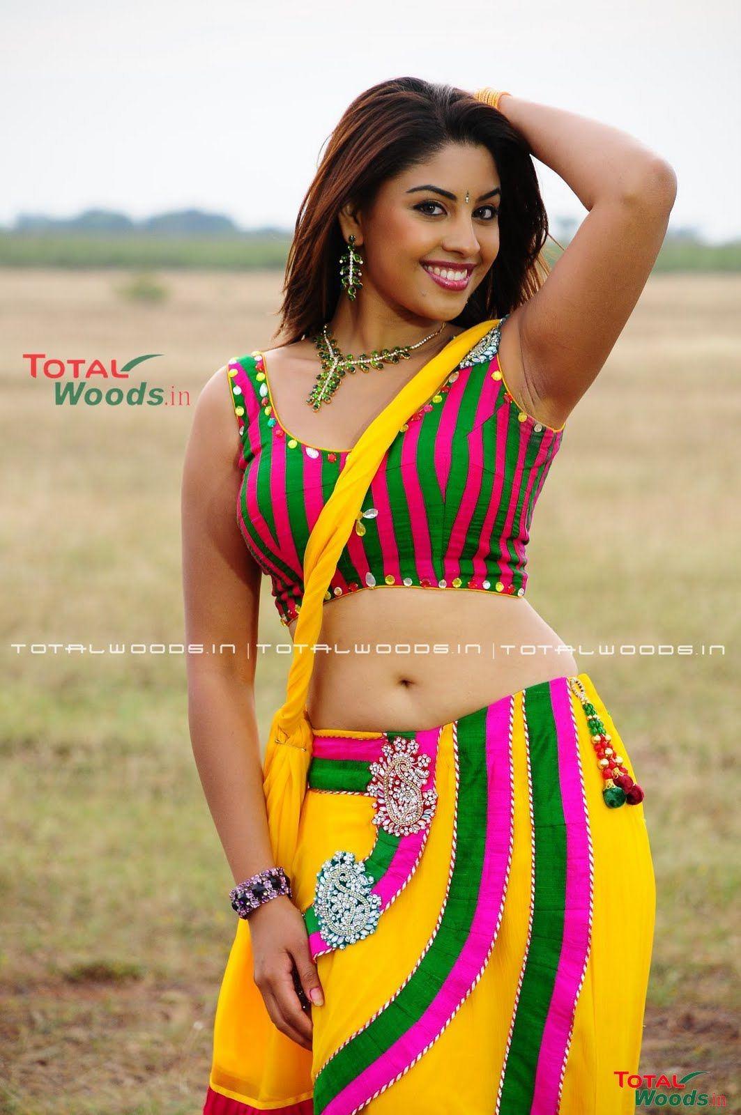 Richa Gangopadhyay Navel