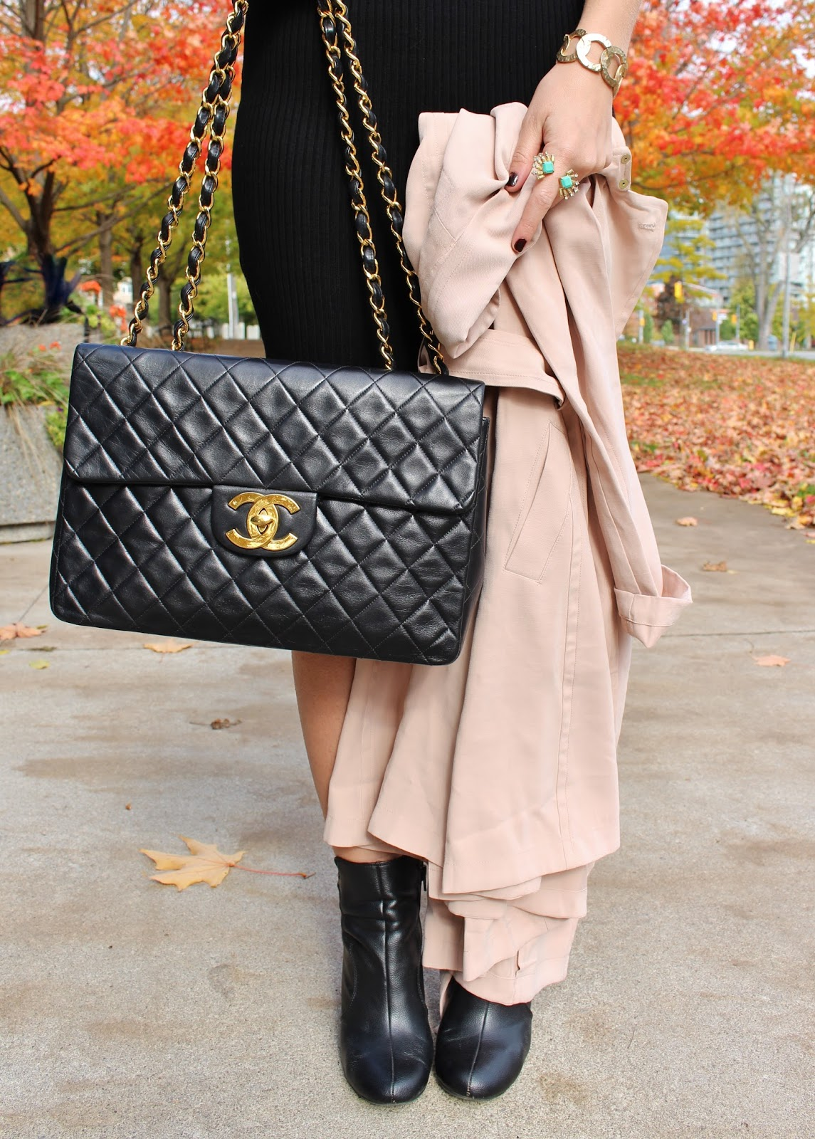 Bijuleni - Vintage Chanel jumbo xl handbag