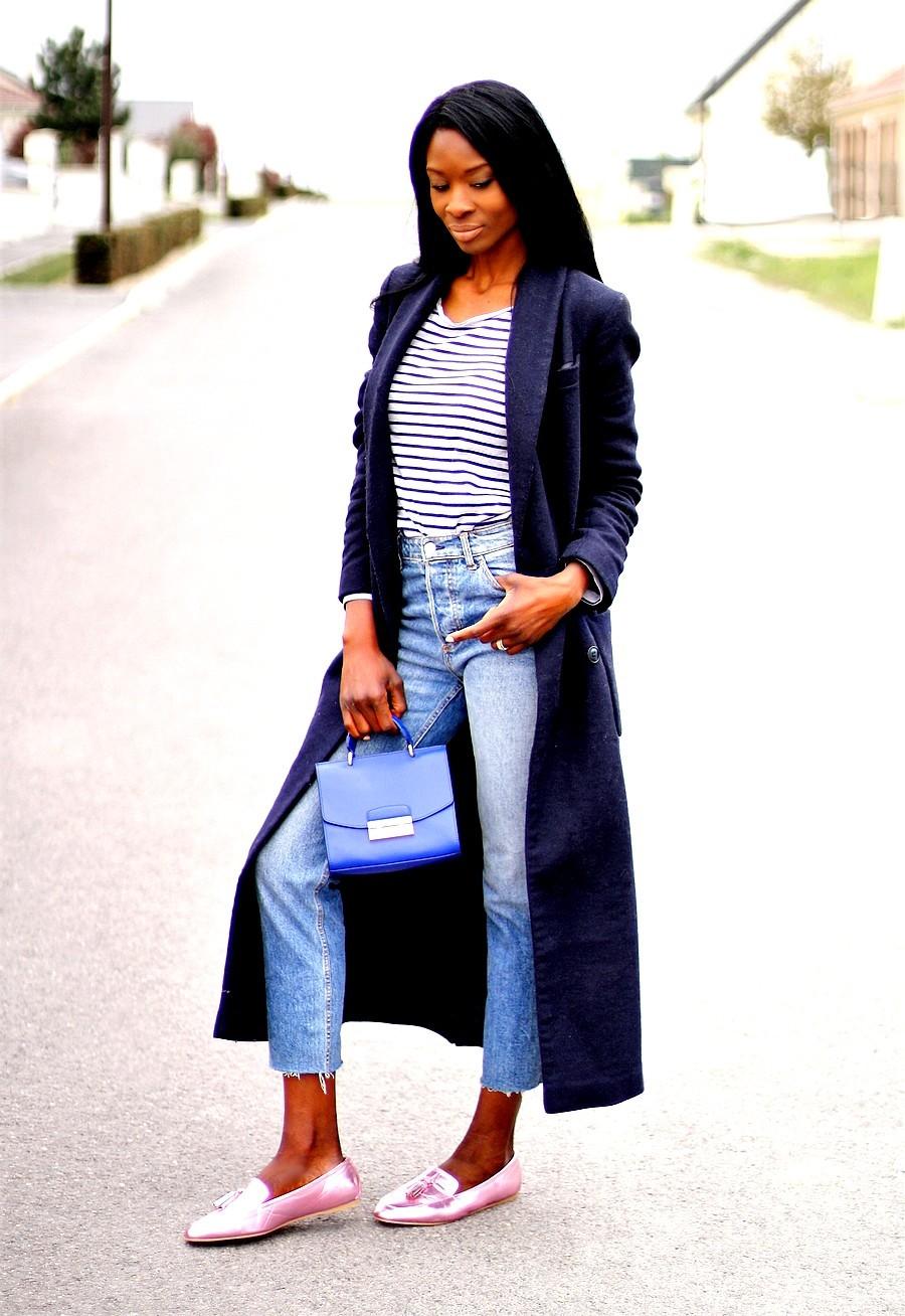mocassins-metallisés-manteau-long-mariniere-jeans-taille-haute-sac-furla
