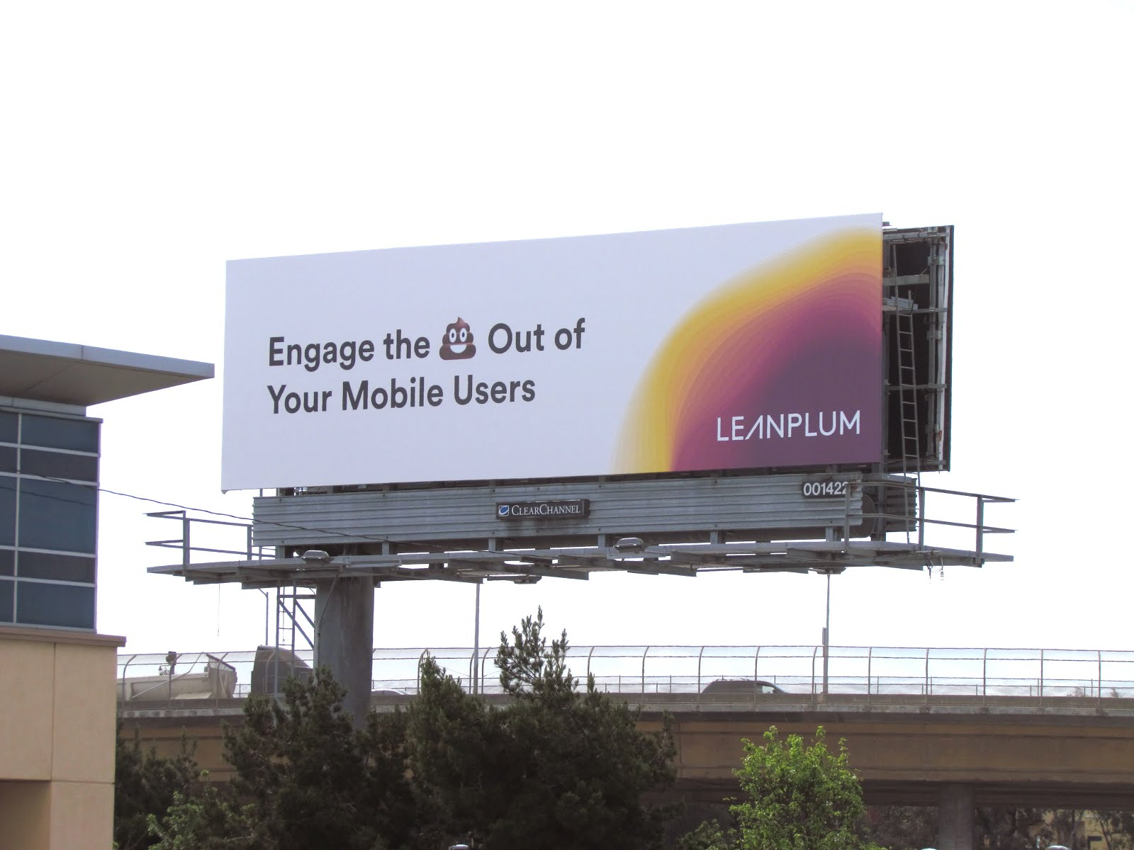 Mobile marketing company Leanplum commissioned a series of billboards along Hwy 101 between ...
