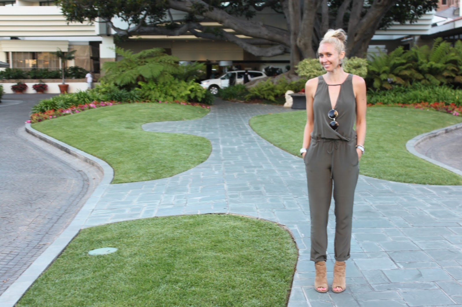 How To Dress For Happy Hour Los Angeles Edition Office Drinks At Bungalow In Santa Monica