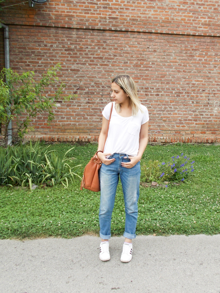 fashion with valentina blog,fashion blogger valentina batrac,teen fashion style bloggers,croatian fashion bloggers,hrvatske modne blogerice,how to style bucket bag and boyfriend jeans,white tee and boyfriend jeans outfits,casual spring summer 2016 outfit ideas